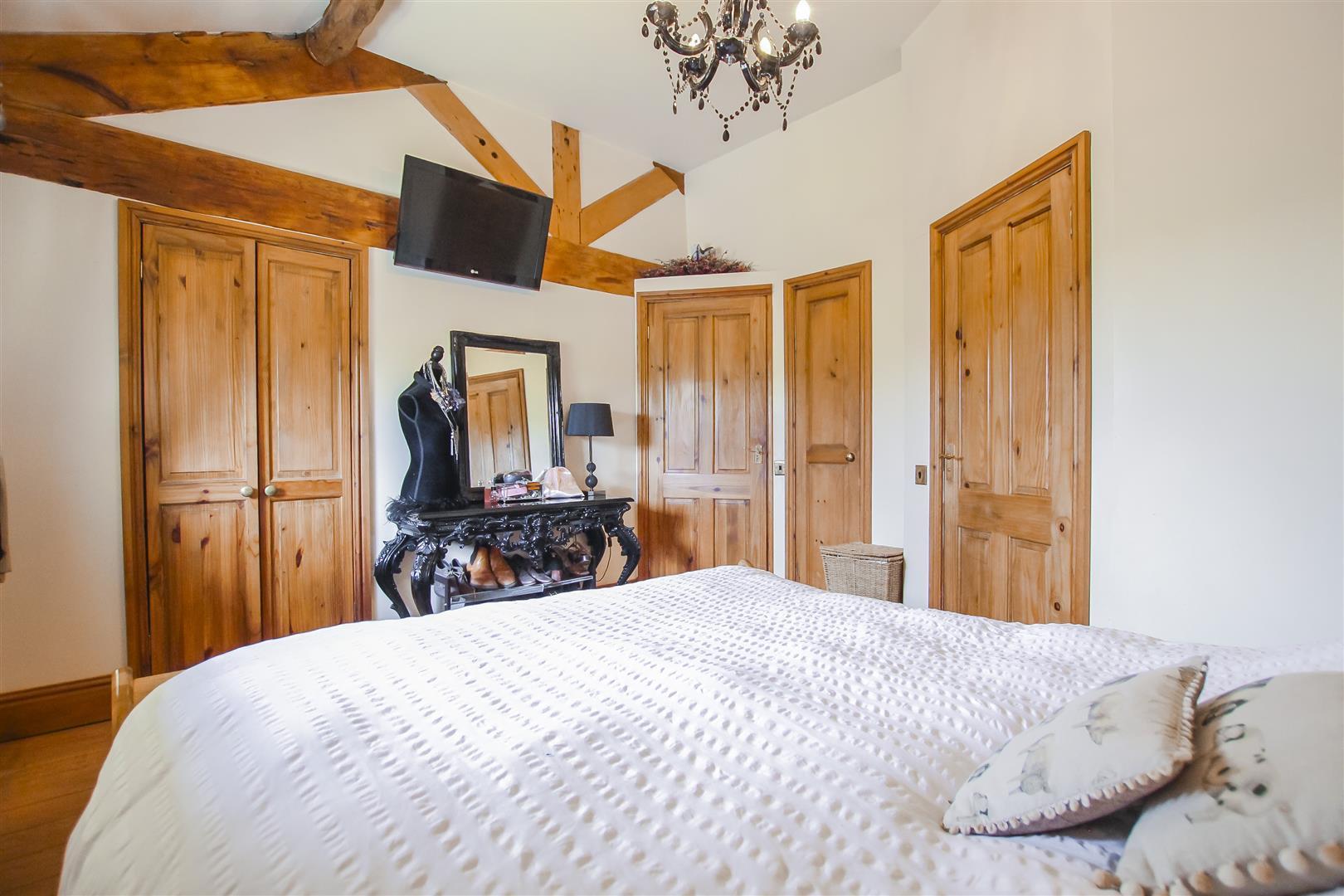 4 Bedroom Semi-detached House For Sale - Image 57